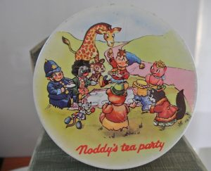 Noddy_s_Tea_Party tin