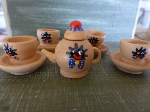 Miniature Golliwog Timber Tea Set