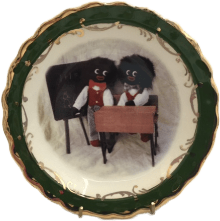 Round Plate with Golliwogs at School